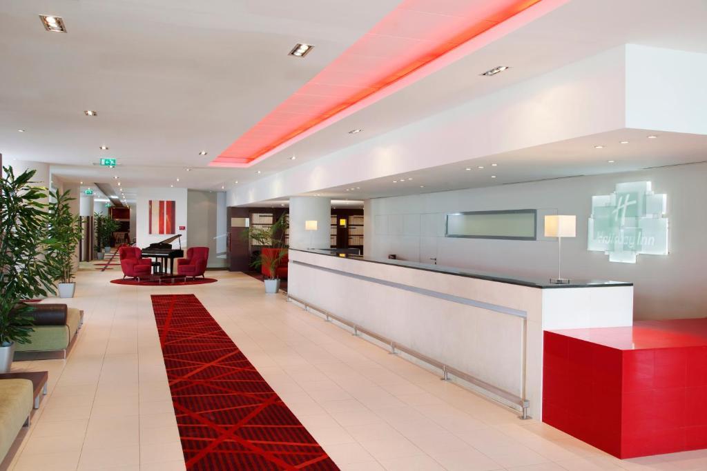 Holiday Inn_5